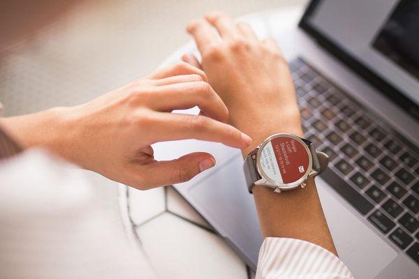 Ultrastylowy smartwatch ticwatch c2+ monitorowanie tętna żyroskop płatności nfc Bluetooth technologia wifi dwudniowa żywotność na naładowaniu monitorowanie zdrowia i kondycji