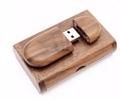 CTRL+C Sada: drevený USB ovál v boxe, orech