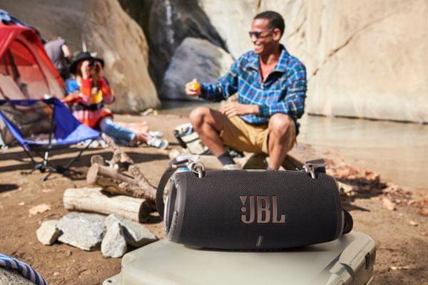Bluetooth přenosný bezdrátový reproduktor jbl xtreme 3 100w výkon jbl pro sound zvuk silné basy partyboost funkce lion baterie výdrž 15 h na nabití powerbanka funkce popruh přes rameno otvírák lahví
