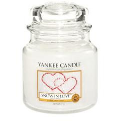 Yankee Candle Yankee gyertya HÓ SZERETETBEN Közepes gyertya 411 g