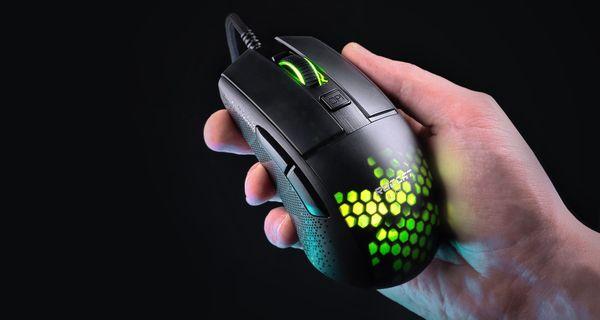 Roccat Burst Pro, bílá (ROC-11-746) myš optický senzor 16 000 DPI herní hladký skluz titan switch 68 gramů