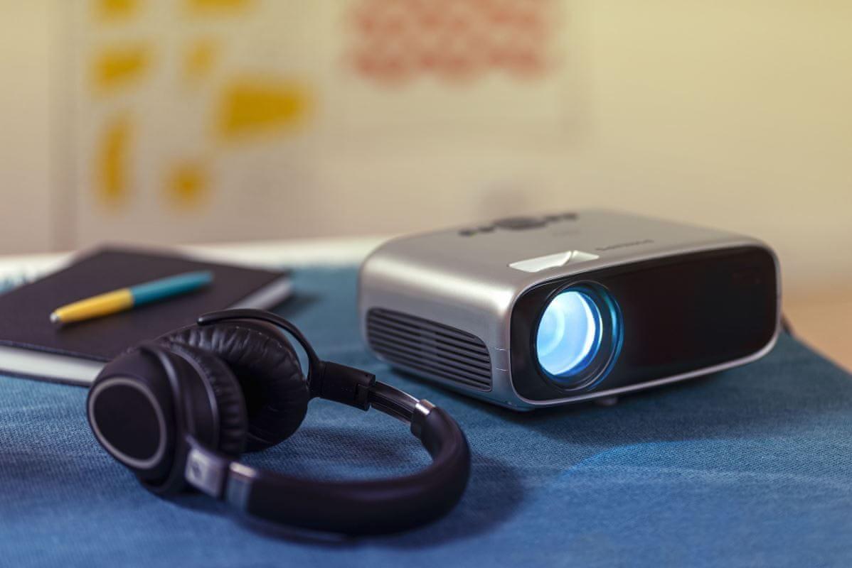 Kivetítő Philips NeoPix Easy 2+ (NPX442) HDMI 3,5 mm jack Wi-Fi Bluetooth USB VGA compatibility multimediális lejátszó