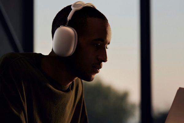 Tehnologija ANC za mirno poslušanje glasbe