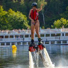 Flyboards.cz Flyboarding u Prahy (Vrané nad Vltavou) - létání nad vodou - 10 min letu