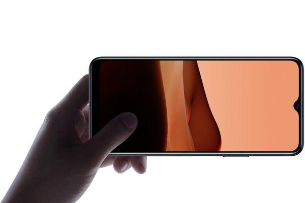 moderný mobilný dotykový telefón smartphone vivo y20s ips lcd displej Bluetooth technológia wifi dual sim micro sd karta ipx2 odolnosť čítačka odtlačkov prstov na boku podpora rýchleho nabíjania zadný 13 mpx fotoaparát predný 8 mpx fotoaparát 5000 mAh batéria rýchlonabíjanie reverzné nabíjanie