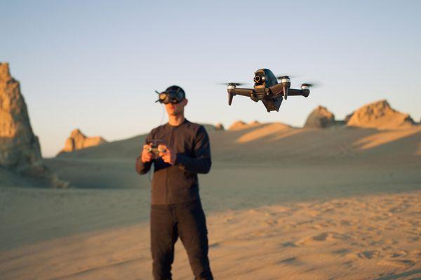 DJI Mavic Mini drón, videók vágása, összetettebb felvételek, megosztás alkalmazásokban