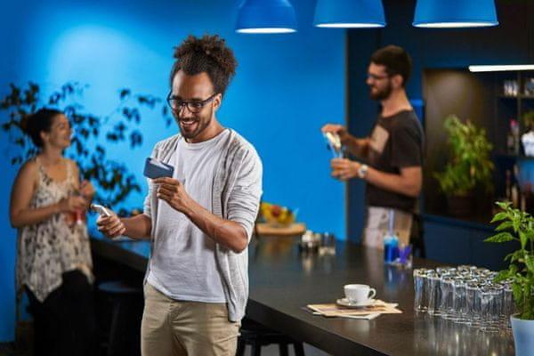 Chipolo CARD - Bluetooth tárgykereső vékony kártya tárgy hívása alkalmazás 60 m hatótáv okmányok védelme utáz helyazonosítás pénztárca okostelefon névtelen jel