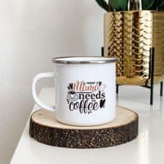 Domovi Bílý smaltovaný plecháček s nápisem Mama Needs Coffee 360ml