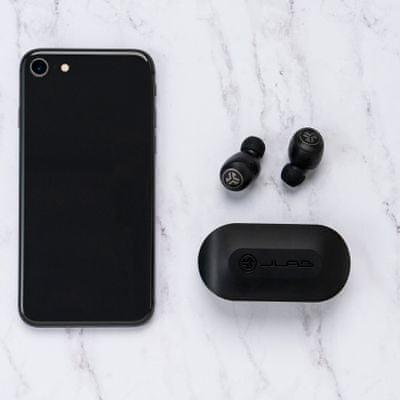 moderne Bluetooth slušalke jlab go air z izenačevalnikom čist zvok izjemno zmogljiva polnilna škatla za dolgo življenjsko dobo s kabelskimi senzorji na dotik