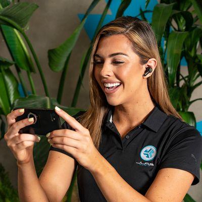 modern bluetooth fülhallgató jlab epic air anc true wireless hangszínszabályzóval tiszta hang nagy teljesítményű hosszú üzemidő töltődoboz kábel könnyű érintésérzékelőkkel
