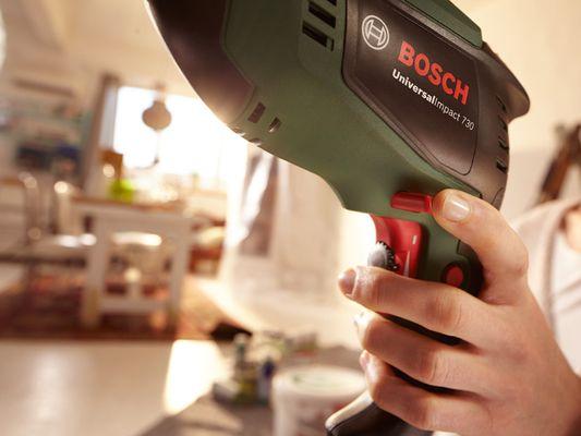 Bosch UniversalImpact příklepová vrtačka 730 0.603.131.020