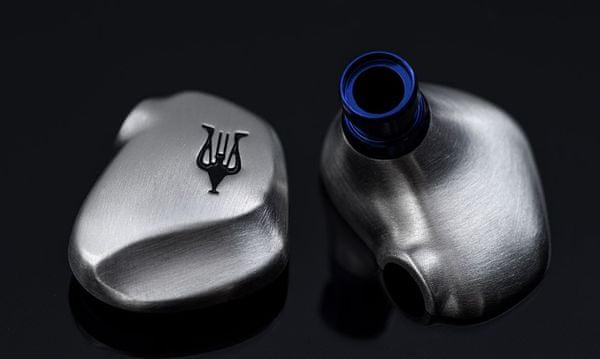 špičkové in ear slúchadlá štupľové meze rai solo vynikajúci zvuk káblové pripojenie odpojiteľný kábel 1,3 m kábel eva puzdro výkonné meniče ergonomické tvarovanie